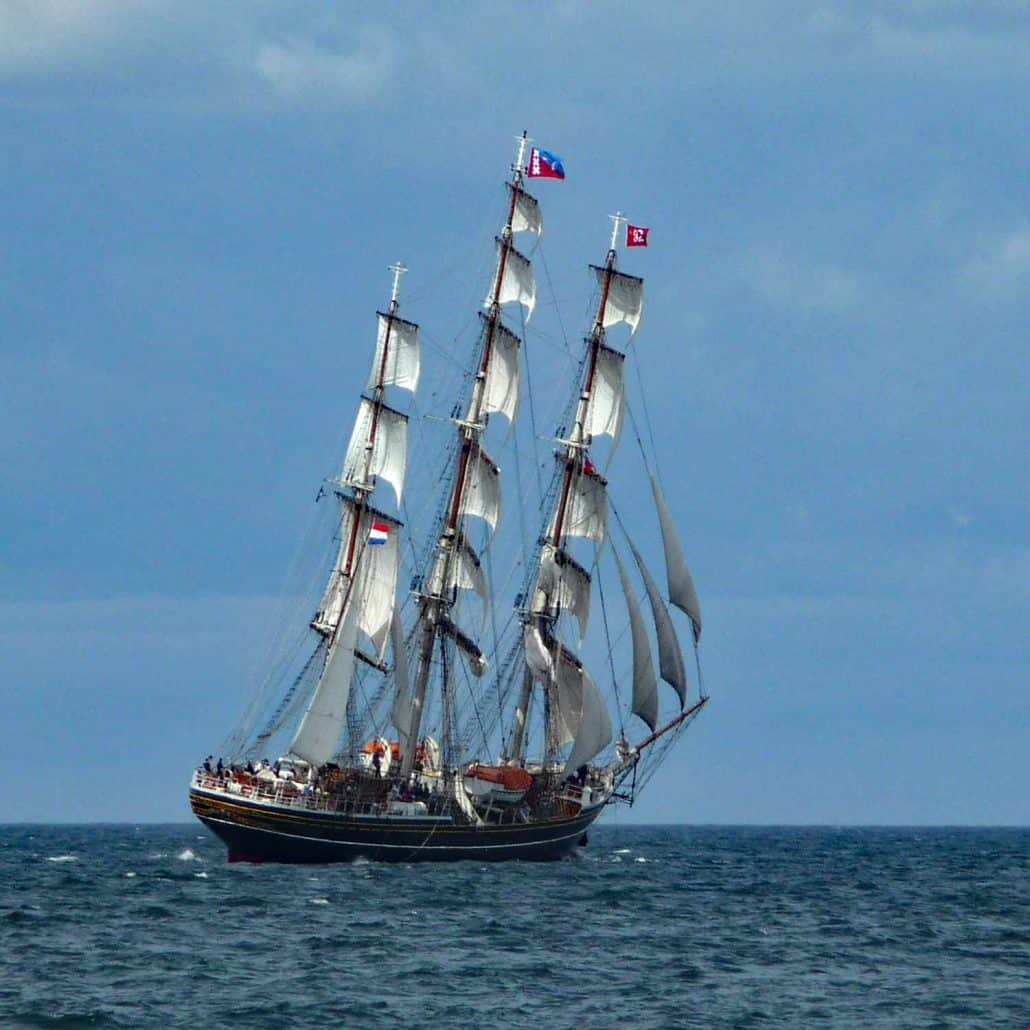 The Dutch ship Stad Amsterdam photographed from astern in the Parade Of Sail, Hartlepool 2010. SchoonerSail Tall Ships Gallery.