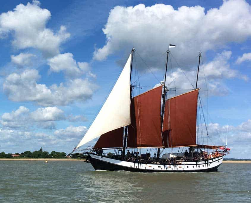 Uk Sailing weekends on the schooner Trinovante